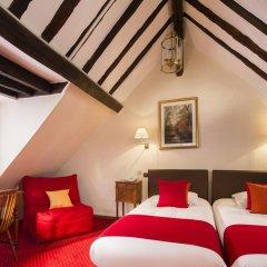 Отель Hôtel Saint Roch 2* Улучшенный номер с различными типами кроватей фото 2