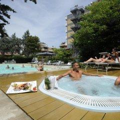 Club Hotel Le Nazioni бассейн