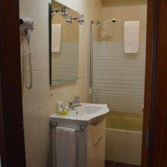 Hotel Louro 3* Стандартный номер двуспальная кровать фото 13