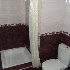 Отель Artush & Raisa B&B Армения, Гюмри - отзывы, цены и фото номеров - забронировать отель Artush & Raisa B&B онлайн ванная фото 2