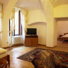 Отель U Cerneho Medveda- At The Black Bear Апартаменты с различными типами кроватей фото 13