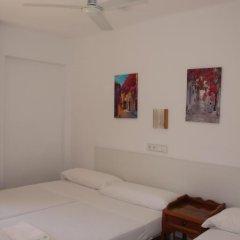 Отель Hostal Las Nieves Стандартный номер с различными типами кроватей фото 16