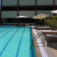 Отель Surin Sweet Пхукет бассейн