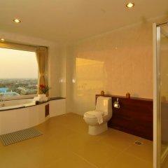 Champasak Grand Hotel 4* Улучшенный номер с различными типами кроватей фото 8