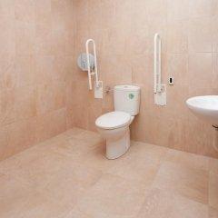 Galaxy Star Hostel Barcelona ванная