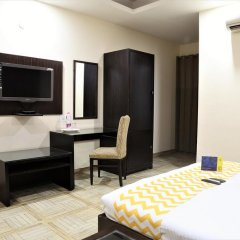 Отель FabHotel Aksh Palace Golf Course Road 3* Номер Делюкс с различными типами кроватей фото 8