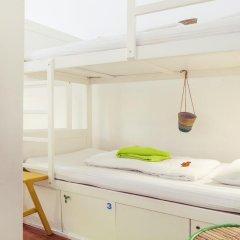 Lisbon Chillout Hostel Кровать в общем номере фото 15