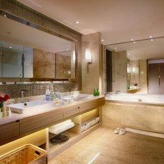 Renaissance Chengdu Hotel 4* Номер Делюкс с различными типами кроватей