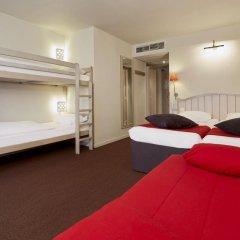 Отель Campanile Val de France 3* Стандартный номер с двухъярусной кроватью фото 11