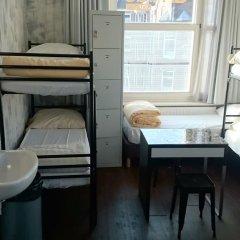 Amigo Budget Hostel Кровать в общем номере с двухъярусной кроватью фото 9