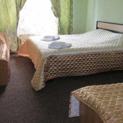 Golden Lion Hotel 3* Стандартный семейный номер с двуспальной кроватью