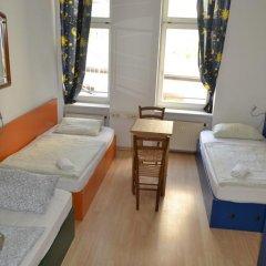 Отель Oskars Absteige Кровать в общем номере с двухъярусной кроватью фото 9