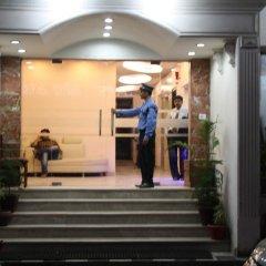 Отель Apra International Индия, Нью-Дели - отзывы, цены и фото номеров - забронировать отель Apra International онлайн интерьер отеля