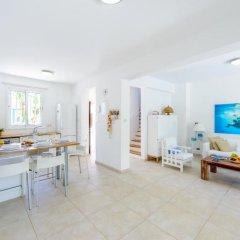 Отель Cape Greco Villa Кипр, Протарас - отзывы, цены и фото номеров - забронировать отель Cape Greco Villa онлайн комната для гостей