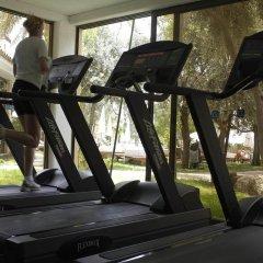 Coral Beach Hotel and Resort фитнесс-зал