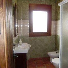 Отель Casa Rural Apartamento El Lebrillero Захара ванная