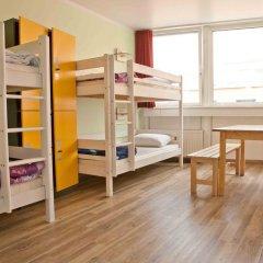 Wombats City Hostel Кровать в общем номере