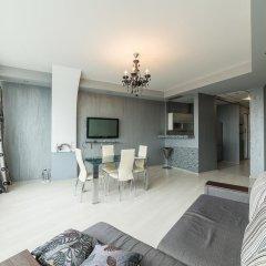 Апартаменты Most City Area Apartments комната для гостей фото 5
