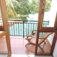 Отель Rajarata Lodge Шри-Ланка, Анурадхапура - отзывы, цены и фото номеров - забронировать отель Rajarata Lodge онлайн балкон