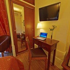 Отель Aliados 3* Номер категории Эконом с двуспальной кроватью фото 27