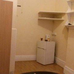 Отель Riz Guest House Номер с общей ванной комнатой фото 2