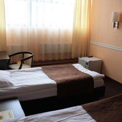 Гостиница Юджин 3* Улучшенный номер с 2 отдельными кроватями фото 2