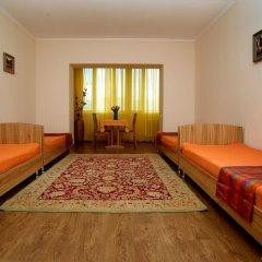 Отель Bed & Breakfast Bishkek Бишкек комната для гостей фото 4