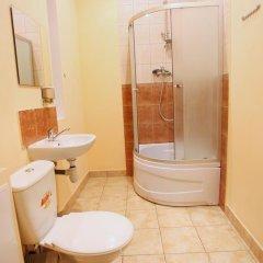 Cossacks Hostel Номер с общей ванной комнатой с различными типами кроватей (общая ванная комната) фото 8