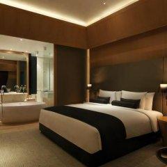 Отель The Roseate New Delhi 5* Номер категории Премиум с различными типами кроватей фото 4