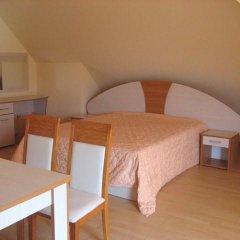 Апартаменты Bulgarienhus Polyusi Apartments Солнечный берег комната для гостей фото 2