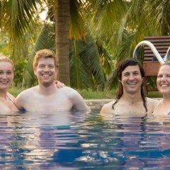 The Coconut Garden Hotel & Restaurant бассейн фото 2