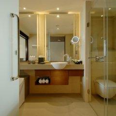 Отель The Westin Siray Bay Resort & Spa, Phuket Таиланд, Пхукет - отзывы, цены и фото номеров - забронировать отель The Westin Siray Bay Resort & Spa, Phuket онлайн ванная фото 2