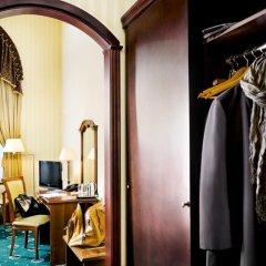 Гостиница Айвазовский Полулюкс с двуспальной кроватью фото 8