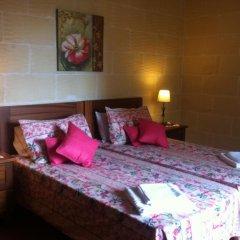 Отель Gozo Hills Bed and Breakfast комната для гостей