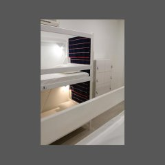 Гостиница Yakor Кровать в общем номере с двухъярусной кроватью фото 3