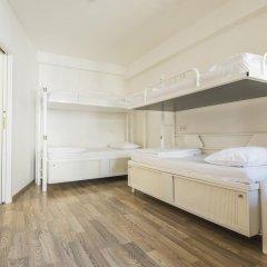 Отель Equity Point Prague Кровать в общем номере с двухъярусной кроватью фото 14