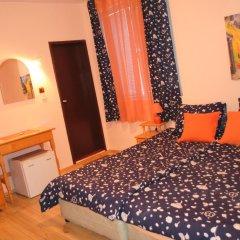 Отель Guest House Sunflowers Болгария, Поморие - отзывы, цены и фото номеров - забронировать отель Guest House Sunflowers онлайн удобства в номере