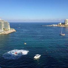 Отель Saint Julian's - Sea View Apartments Мальта, Сан Джулианс - отзывы, цены и фото номеров - забронировать отель Saint Julian's - Sea View Apartments онлайн пляж фото 2