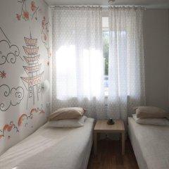 Хостел География Казань Стандартный номер 2 отдельными кровати (общая ванная комната) фото 2