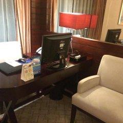 Отель Best Western Premier Shenzhen Felicity Hotel Китай, Шэньчжэнь - отзывы, цены и фото номеров - забронировать отель Best Western Premier Shenzhen Felicity Hotel онлайн удобства в номере фото 2