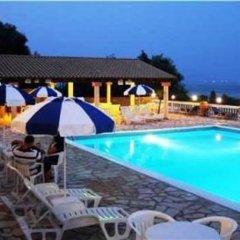 Отель Eliana бассейн