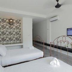 Отель Surintra Boutique Resort 3* Номер Делюкс двуспальная кровать фото 2