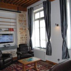 Отель L'Atelier des Canuts Франция, Лион - отзывы, цены и фото номеров - забронировать отель L'Atelier des Canuts онлайн интерьер отеля