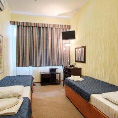 Гостиница Континент 2* Стандартный номер с 2 отдельными кроватями фото 3