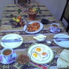 Отель Vazken's Guest House питание