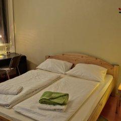 Отель U inn Berlin Hostel Германия, Берлин - отзывы, цены и фото номеров - забронировать отель U inn Berlin Hostel онлайн комната для гостей фото 5
