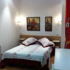 Отель Hostal Comercial Стандартный номер с двуспальной кроватью