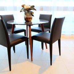 Alex Perry Hotel & Apartments интерьер отеля