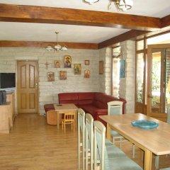 Отель Guest House Brezata - Betula Болгария, Ардино - отзывы, цены и фото номеров - забронировать отель Guest House Brezata - Betula онлайн гостиничный бар