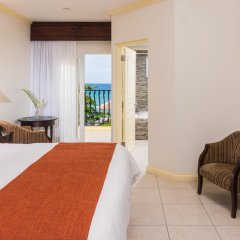 Отель Jewel Paradise Cove Beach Resort & Spa - Curio Collection by Hilton 3* Номер Делюкс с различными типами кроватей фото 5